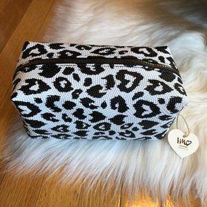 Imoshion White Animal Print Textured Cosmetic Bag